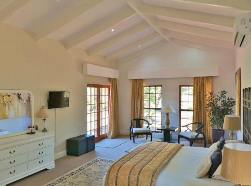 2 Bedroom Villa Gold room