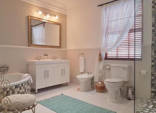 Barn House Suite Bathroom Vanity