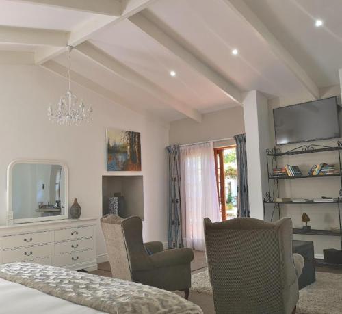 Champagne Superior Suite Bedroom