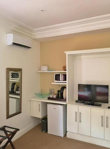 Family 2 Bedroom Suite 2 TV unit