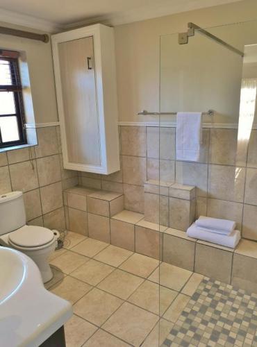 Val dOr Owners 3 Bedroom Cottage Bathroom 3