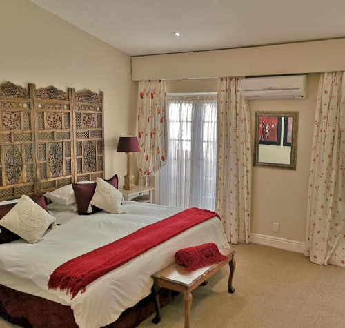 Val dOr Owners 3 Bedroom Cottage Bedroom 1