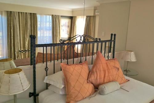 Val dOr Owners 3 Bedroom Cottage Bedroom 2