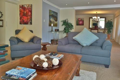 Val dOr Owners 3 Bedroom Cottage Lounge