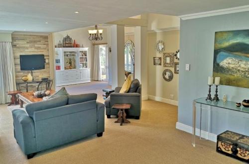 Owners 3 Bedroom Cottage OpenPlan