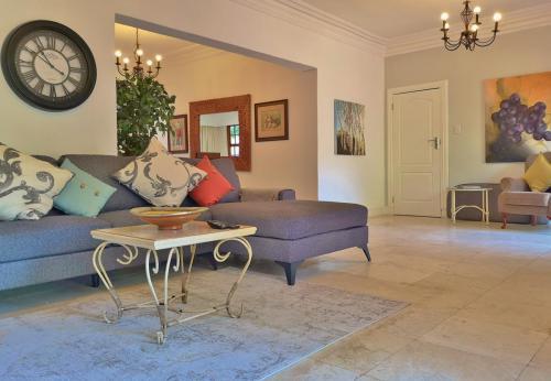 2 Bedroom Villa Lounge