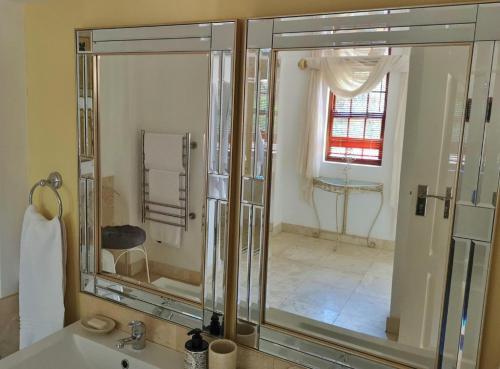2 Bedroom Villa bathroom1