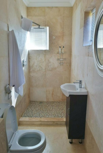 Luxury Self-Catering Cottage - Barn House - Bathroom1