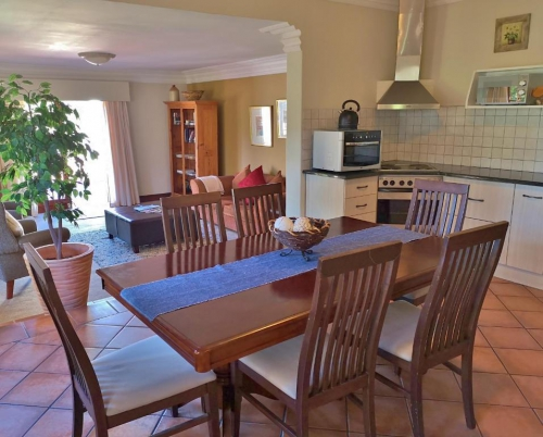 Luxury Self-Catering Cottage - Barn House - Dining area